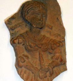 Kachelfragment mit Lucretia-Bild